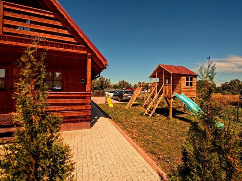 Domki Zefir 4-7, Rowy, plac zabaw dla dzieci