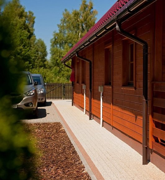 Domki Zefir 4-7, Rowy, miejsce parkingowe