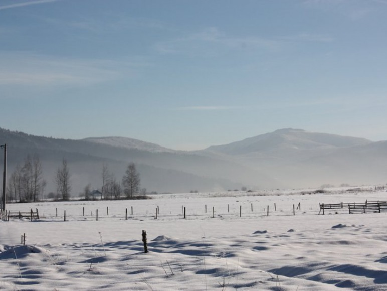 Widok na Babią Górę zimą