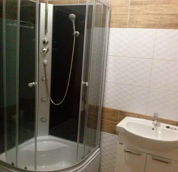 Kwatery dla firm pokoje z łazienkami