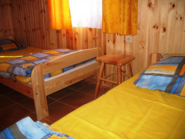 łóżka poj. 90x200