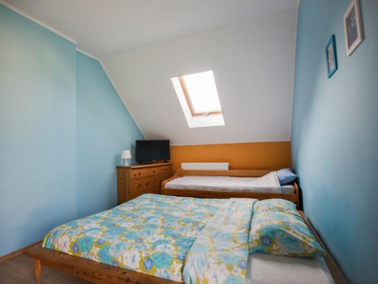 pokój niebieski z mini aneksem