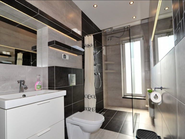 Ap. 2 pokojowy-łazienka