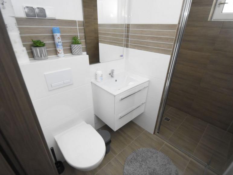 apartament 3 łazienka