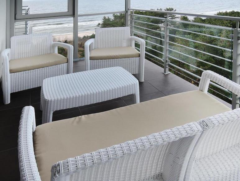 Apartament przy plaży z widokiem na morze