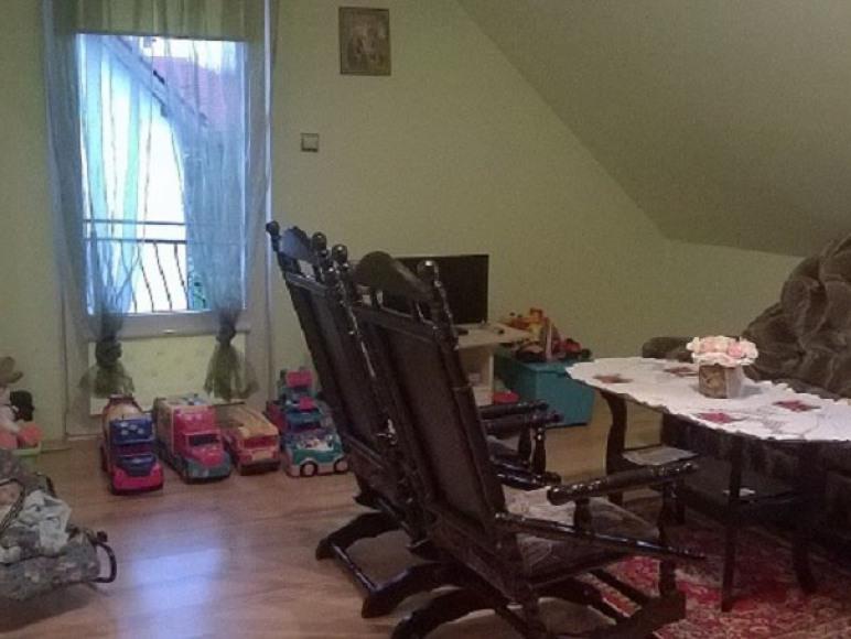 2pokojowy samodzielny apartament na poddaszu domu
