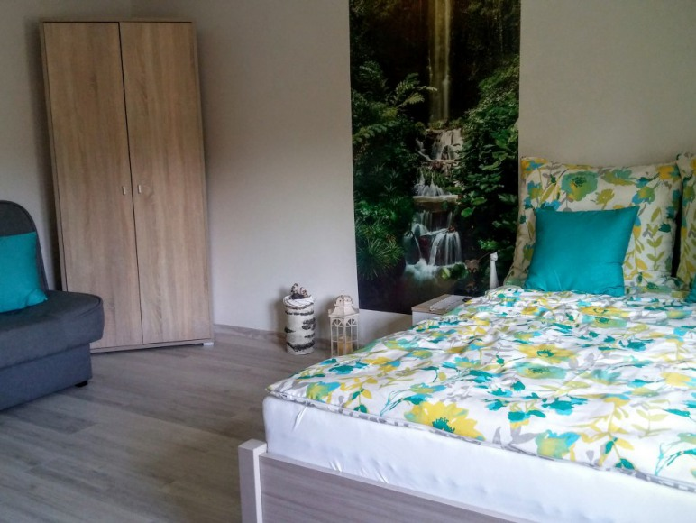 Sypialnia z aneksem kuchennym