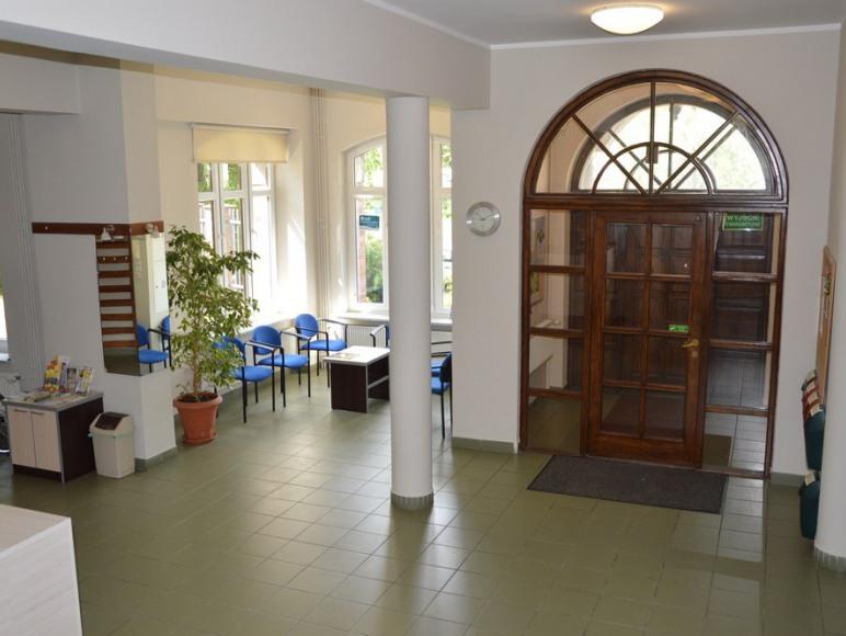 Hall na parterze przy wejściu