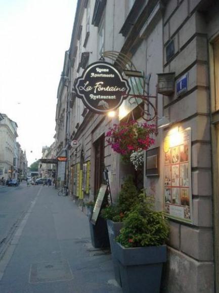 Pokoje i Apartamenty La Fontaine