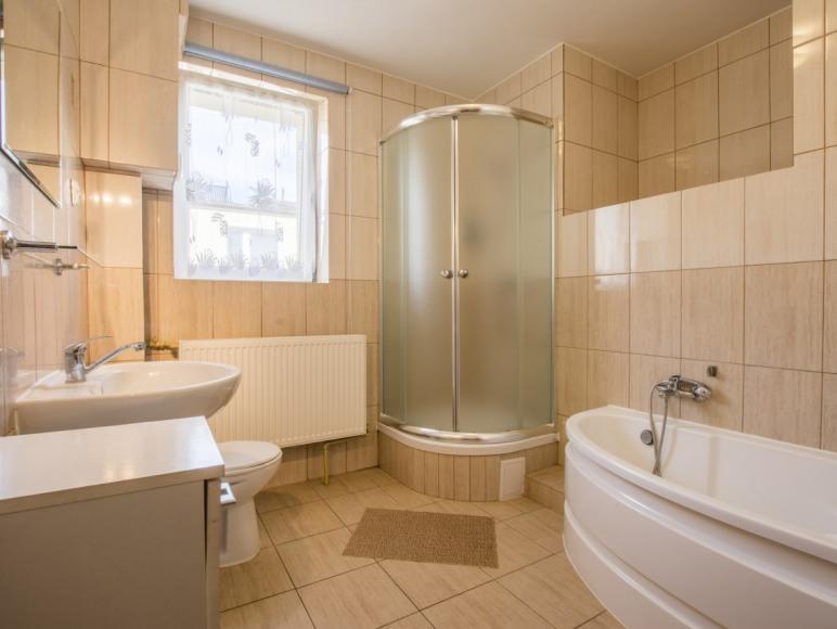 Pokój-łazienka 4-osobowa