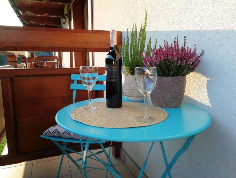 "Apartament ""Na Mocarni"" balkon z widok. na Giewont"