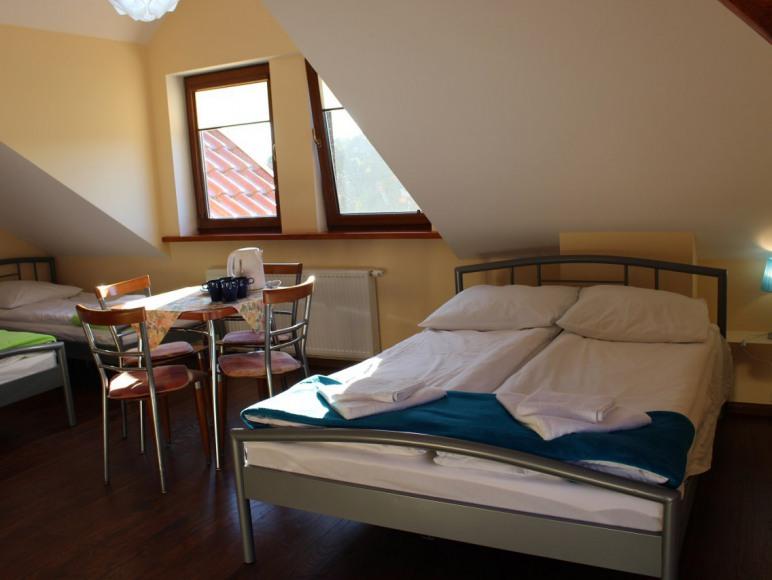 pokój 4osobowy z balkonem