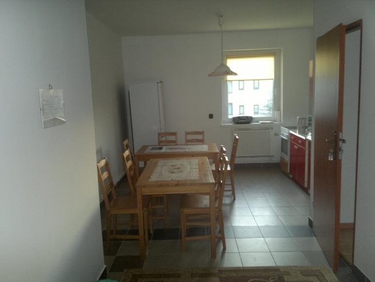 Salon z aneksem kuchennym studia B i C