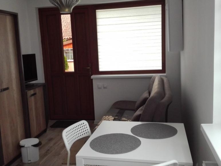 Pokoj 2 osobowy z osobnym wejsciem kuchnia lazienka i tatasem