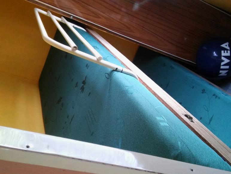domek po daszkiem piętrowe lóżka