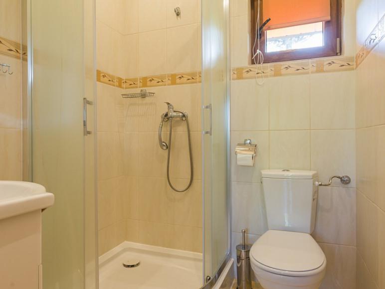 łazienka w domku komfortowym