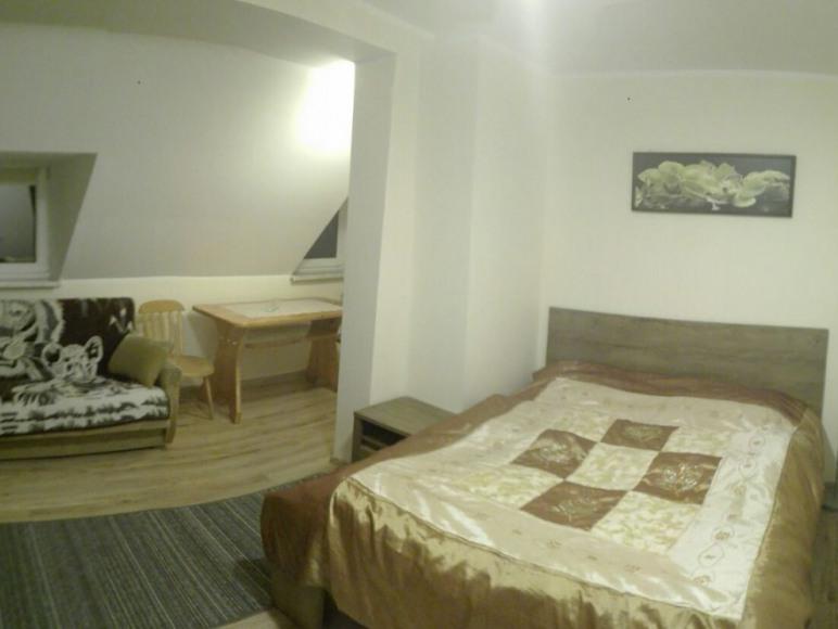 pokój nr 3 - 2 lub 3 osobowy