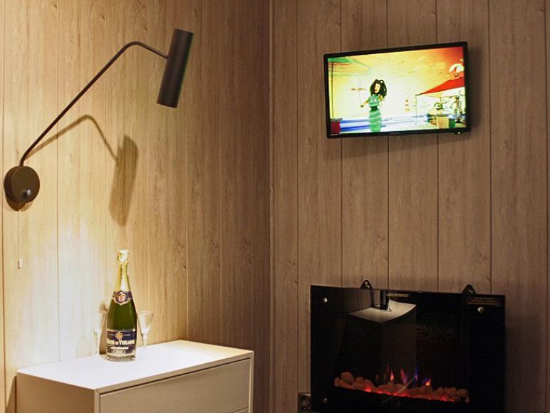 Nowo wyremontowane domki z kominkiem elektrycznym