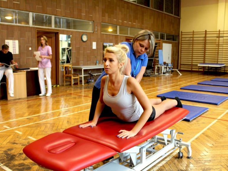 Baza zabiegowa- Kinezyterapia, ćwiczenia na sali gimanstycznej