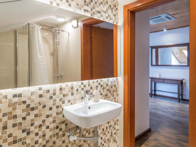 Mieszkanie 4-osobowe - łazienka