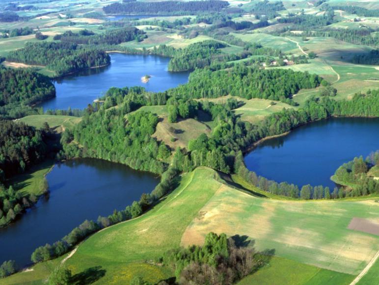 Gościniec między 4 jeziorami