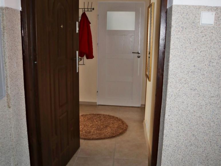 wejście do mieszkania z klatki schodowej