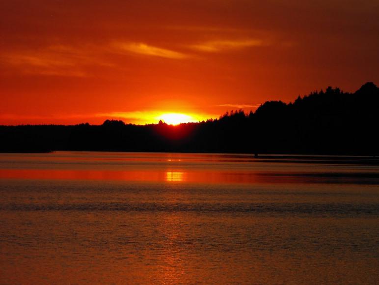 zachód słońca - widok z okna