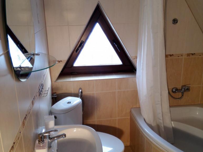 apartament 4-5 osobowy-łazienka