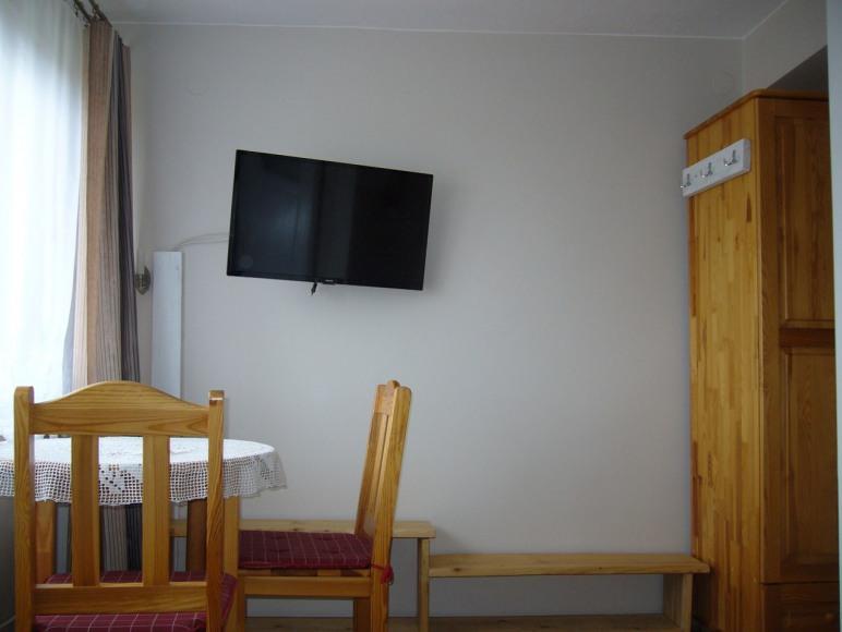 pokój dwuosobowy w domu rodzinnym