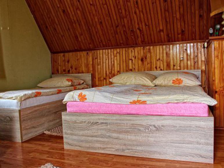Sypialnia na piętrze do 4 os