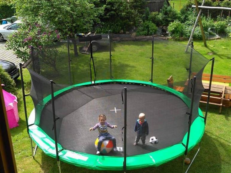 trampolina 488 cm!