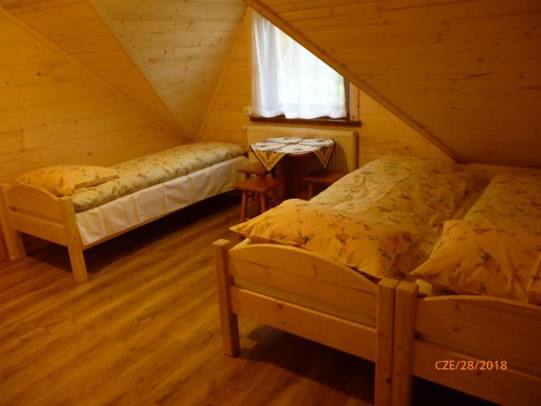 pokój 3-osobowy w apartamencie 7-osobowym