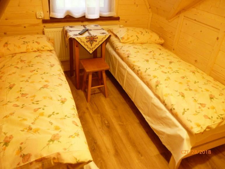 pokój 2-osobowy w apartamencie 7-osobowym