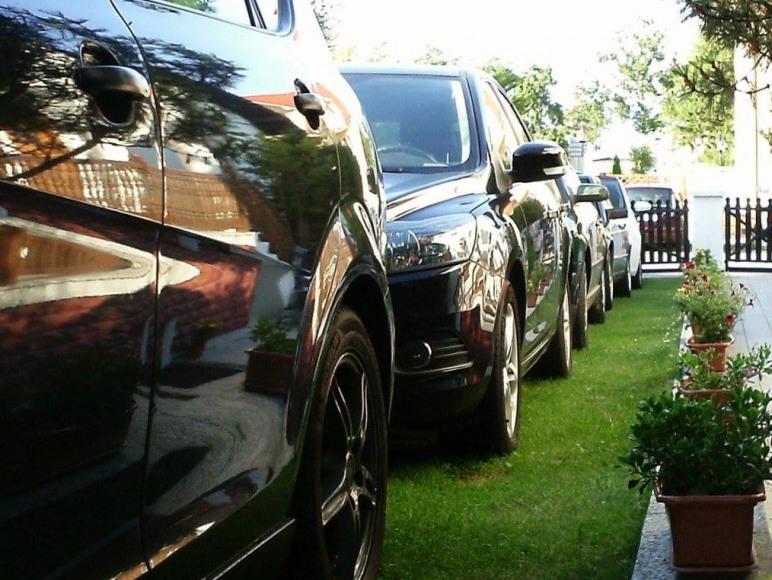 Ogrodzony parking