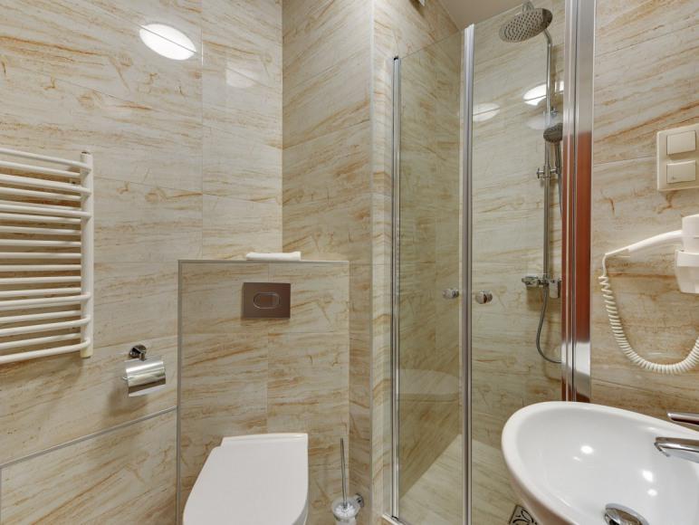 łazienka w pokoju 41