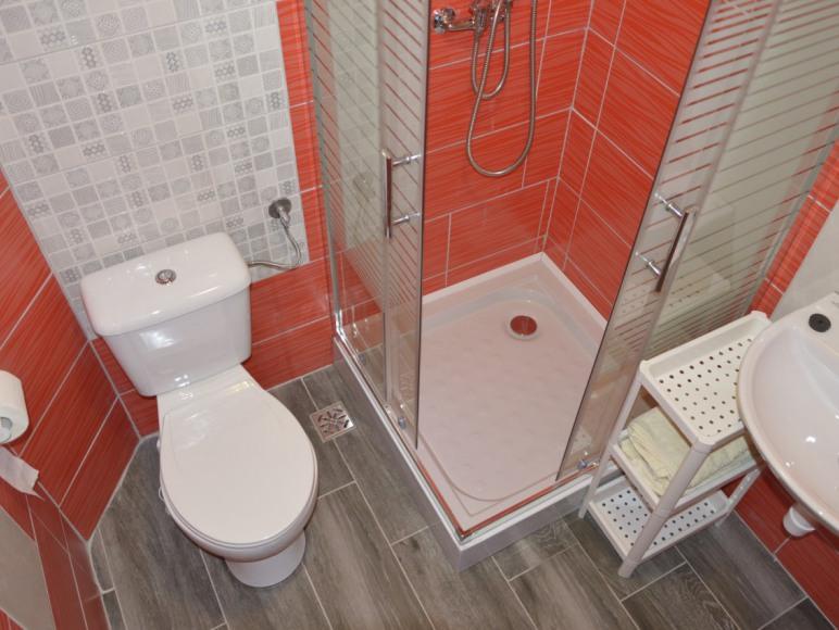 łazienka główna w domku apartamencie
