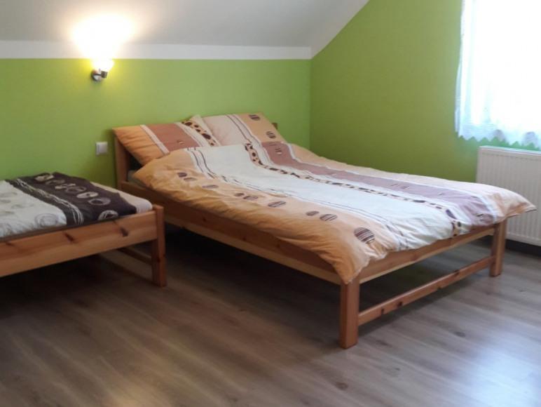 1 łożko podwójne i 1 pojedyńcze