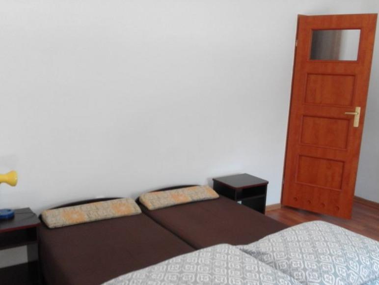 pokój trzy-czteroosobowy