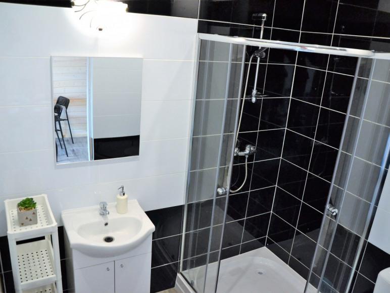łazienka w domku Nirvana