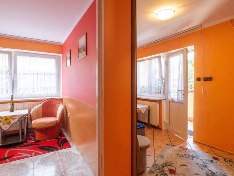 Apartament dwupokojowy na parterze