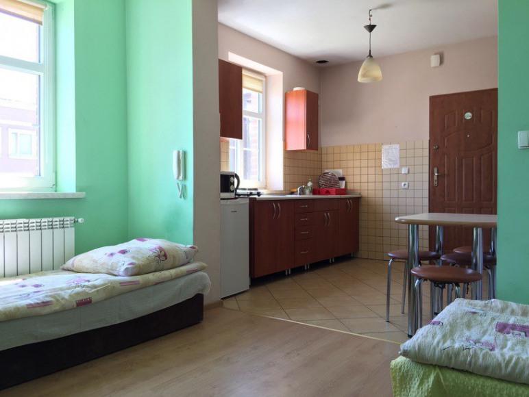 """""""Tanie Spanie"""" Pokoje Mieszkania Kwatery dla Firm"""