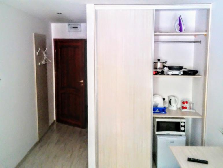 Pokój 3 osobowy z mini aneksem kuchennym