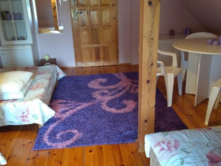 sypialnia na górze- podwójny + dwa tapczany