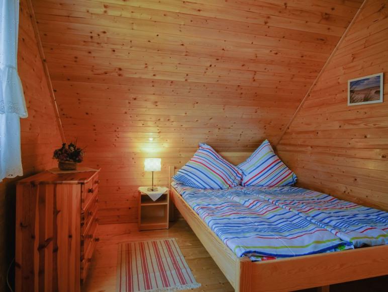 sypialnia trzyosobowa