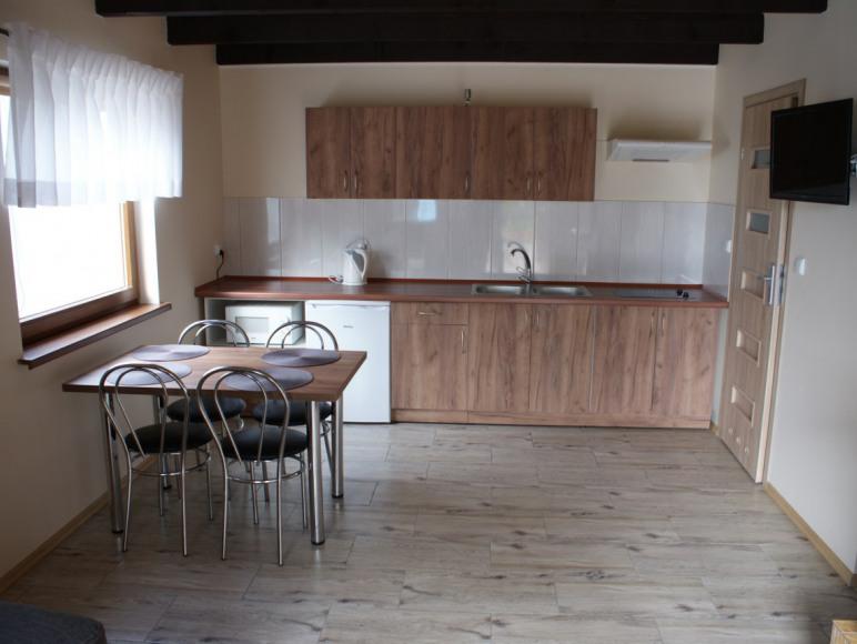 Salon z aneksem kuchenym - domek nr 1