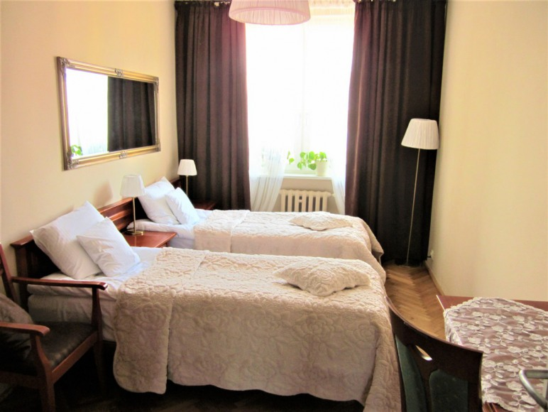 Sypialnia 1 dwa łóżka