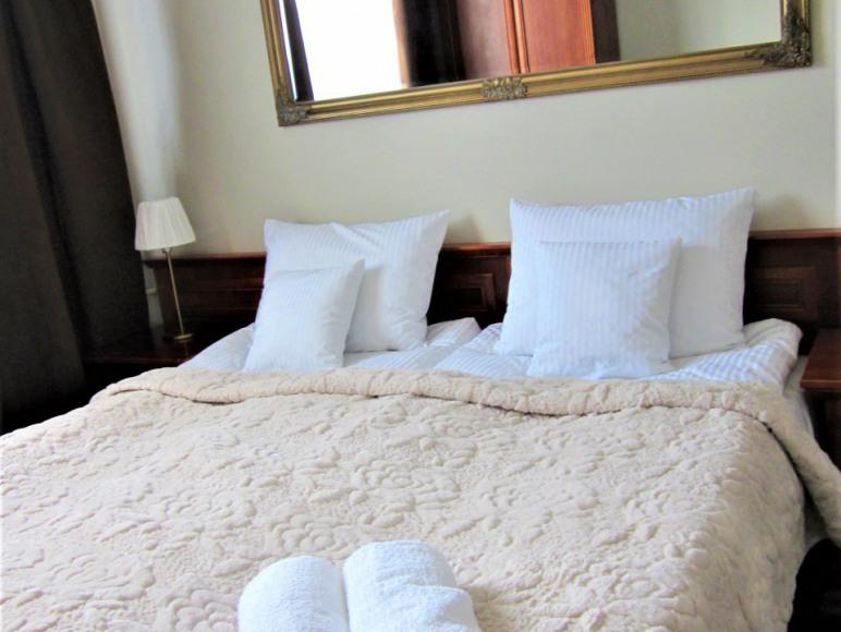 Sypialnia 2 łóżko małżeńskie