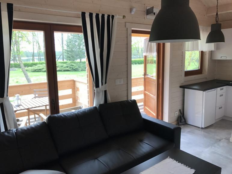 salon z ankesem kuchennym w do domku