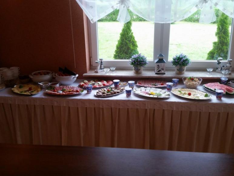 bufet sniadaniowy