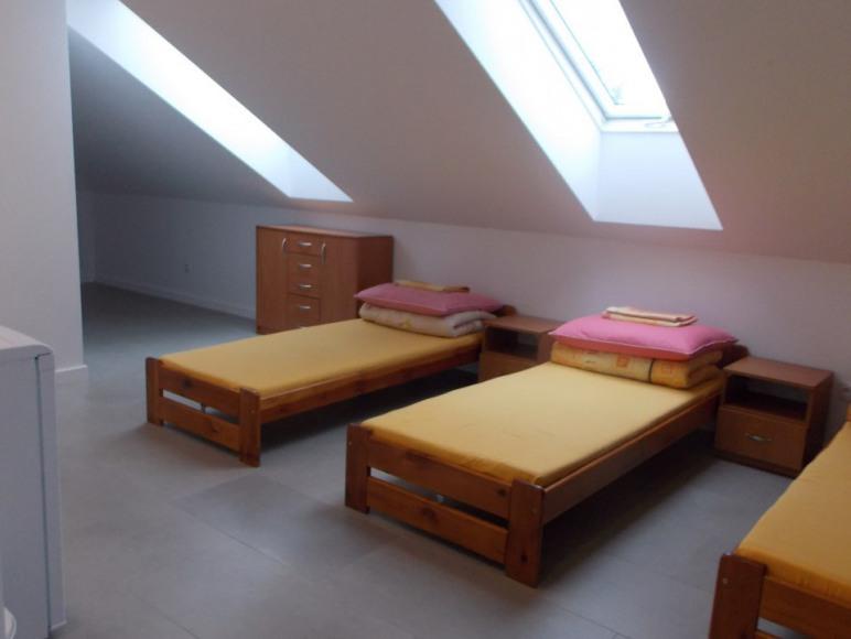 Pokoje z Łazienkami i Aneksam Kuchennymi w Połańcu